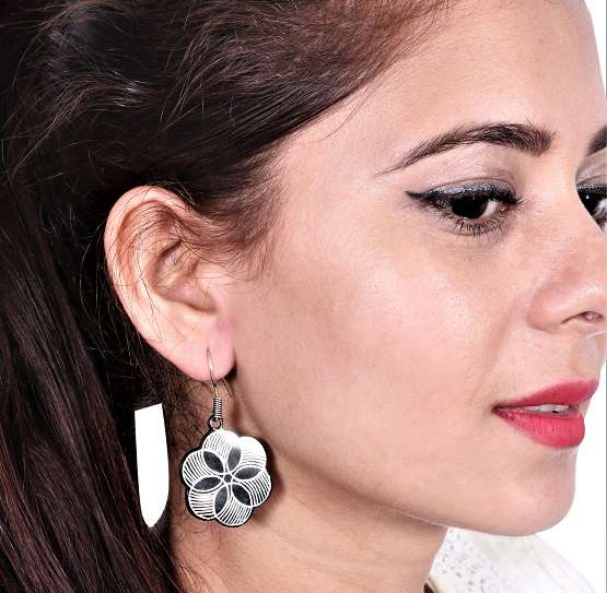 BIDRI WORK SIX CIRCLES EARRING