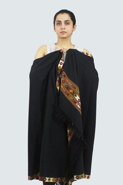Kullu-hand-embroidered-shawls A3