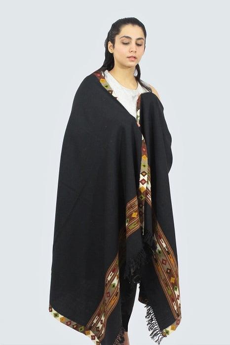 Kullu-hand-embroidered-shawls A4