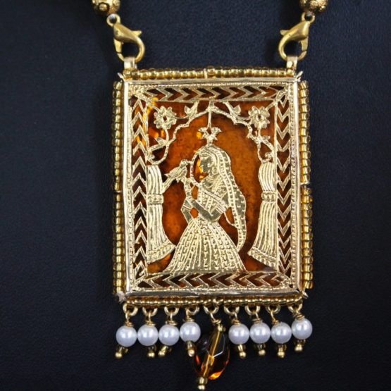Orange Traditional Gold Jewellery 3