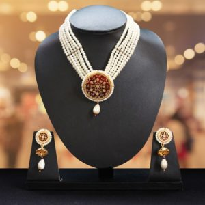 White Pearl Gold Jewellery Set Online 1