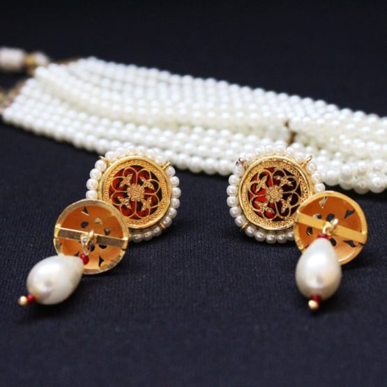 White Pearl Gold Jewellery Set Online 4