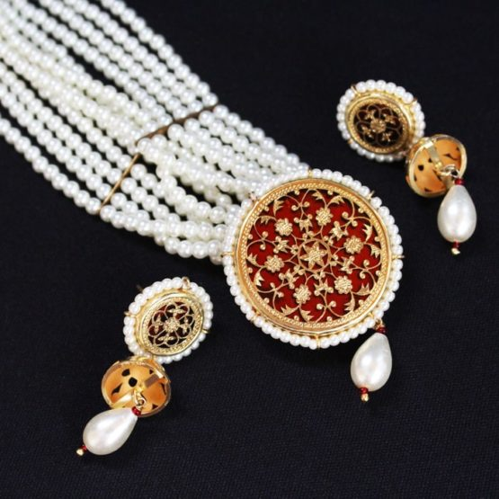 White Pearl Gold Jewellery Set Online 5