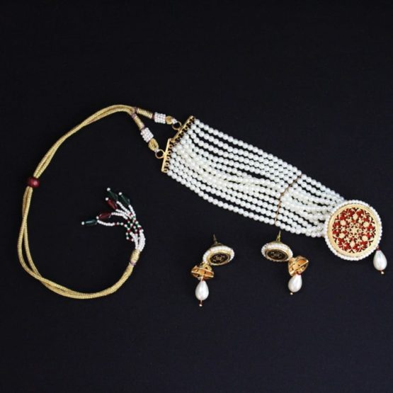 White Pearl Gold Jewellery Set Online 6
