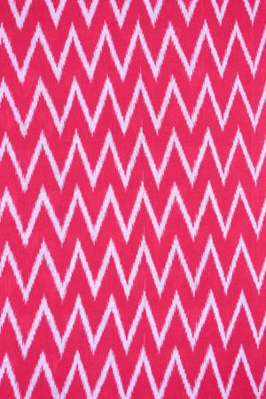 Grey-Red Pyramid Seamless Pattern Pochampally Saree (2)