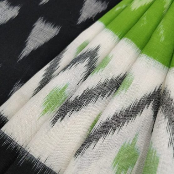 Handwoven Green-Black Cotton Saree with Seamless & Pyramid Pattern