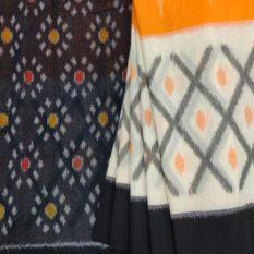 Floral Pattern Black Colour Pallu - Pochampally Saree