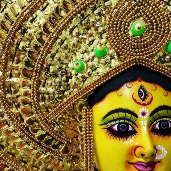 Golden Devi Chhau Mask - Leaf Design (1Ft) 3
