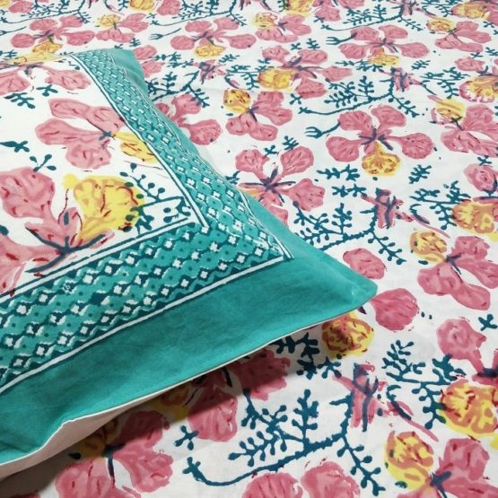 GiTAGGED Sanganeri Hand Block Printed Hibiscus Pattern Bedsheet With Pillow Covers 2
