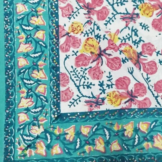 GiTAGGED Sanganeri Hand Block Printed Hibiscus Pattern Bedsheet With Pillow Covers 3