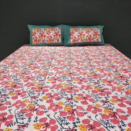 GiTAGGED Sanganeri Hand Block Printed Hibiscus Pattern Bedsheet With Pillow Covers 4