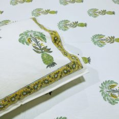 GiTAGGED Sanganeri Hand Block Printed-Off-White Bedsheet With Pillow Covers 2