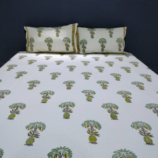 GiTAGGED Sanganeri Hand Block Printed-Off-White Bedsheet With Pillow Covers 4