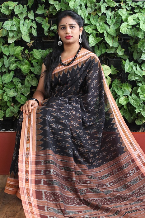 Orissa Ikat Black and goldochre Border Deha Banda Cotton Saree 5