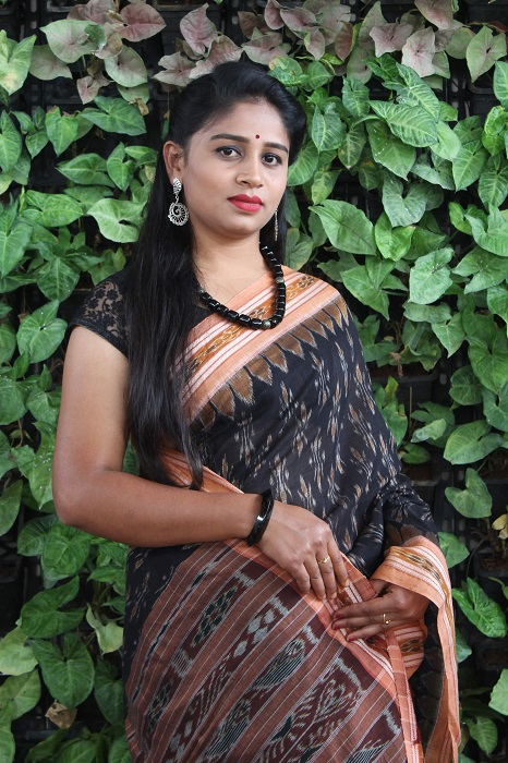 Orissa Ikat Black and goldochre Border Deha Banda Cotton Saree 6