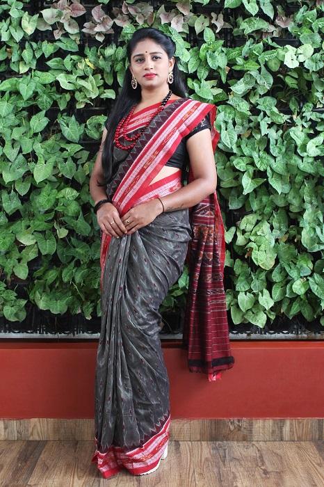 Orissa Ikat Dark Gray With Red Border Deha Banda Cotton Saree 3