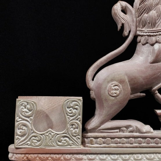 stone lion statue pen stand 4