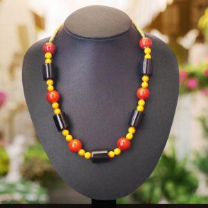 Etikoppaka Black and Orange Bead Necklace (1)