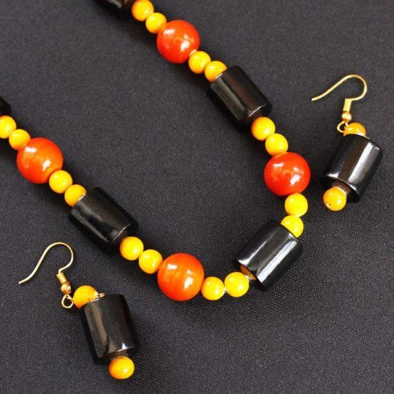 Etikoppaka Black and Orange Bead Necklace (3)