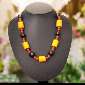 Etikoppaka Black and Yellow Bead Necklace 1