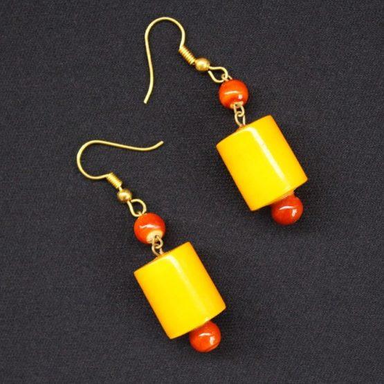 Etikoppaka Black and Yellow Bead Necklace 2
