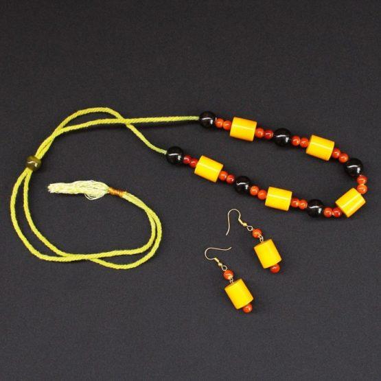 Etikoppaka Black and Yellow Bead Necklace 4